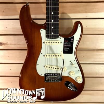 Fender American Performer Stratocaster - Rosewood Fingerboard - Honey Burst - with Deluxe Bag