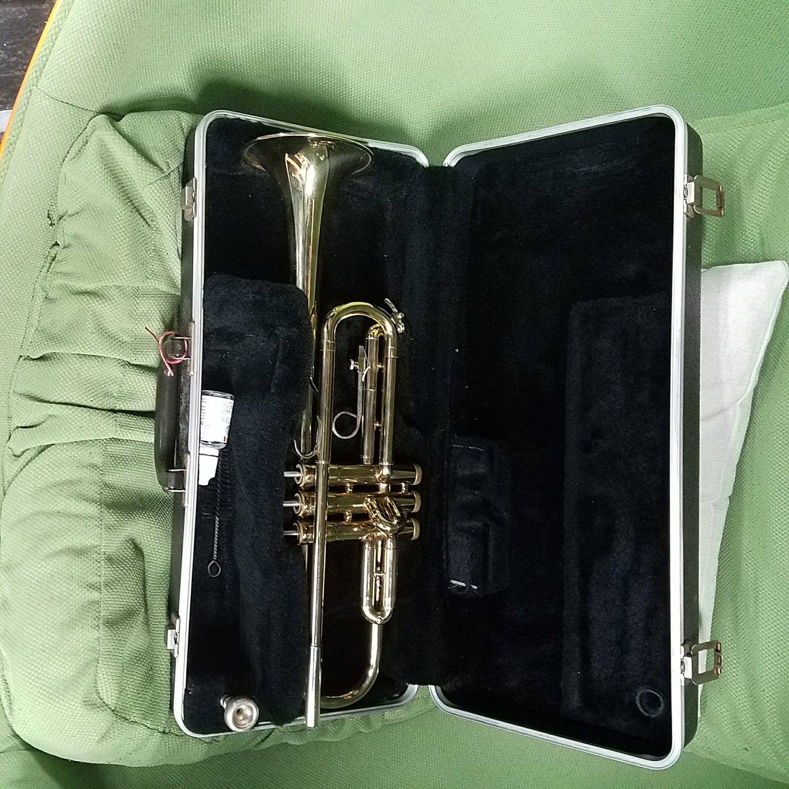 Bundy The Selmer USA Trumpet ML Vincent Bach Mouthpiece