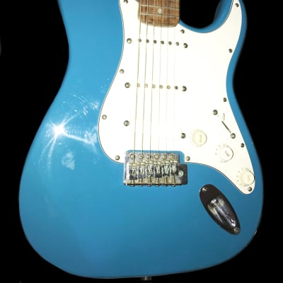 FINAL REDUCTION!!! Level 11 Strat 2008  Daphne Blue! Lace Sensor!