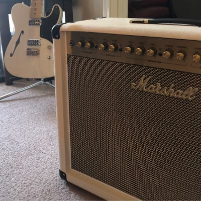 Marshall DSL40CR (Limited Edition) 2019 Light Cream Cabenet w/Silver, Gold Grill