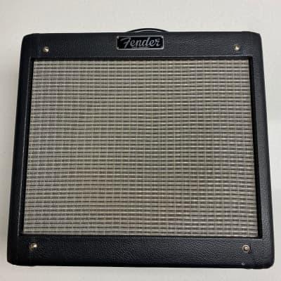 """Fender Pro Junior III 15-Watt 1x10"""" Guitar Combo 2010 - 2016 Black"""