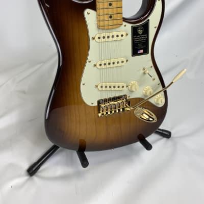 Fender 75th Anniversary Commemorative Stratocaster - 2-color Bourbon Burst