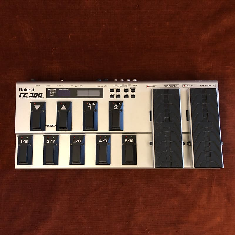 Roland FC-300 Floorboard MIDI Footswitch Controller