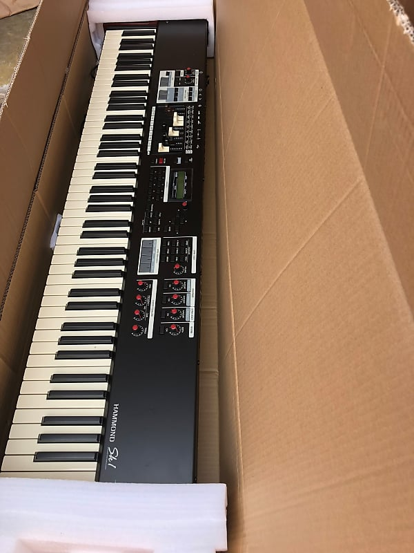 Hammond SK1-88 88-Key Keyboard Piano   JWIM Guitars