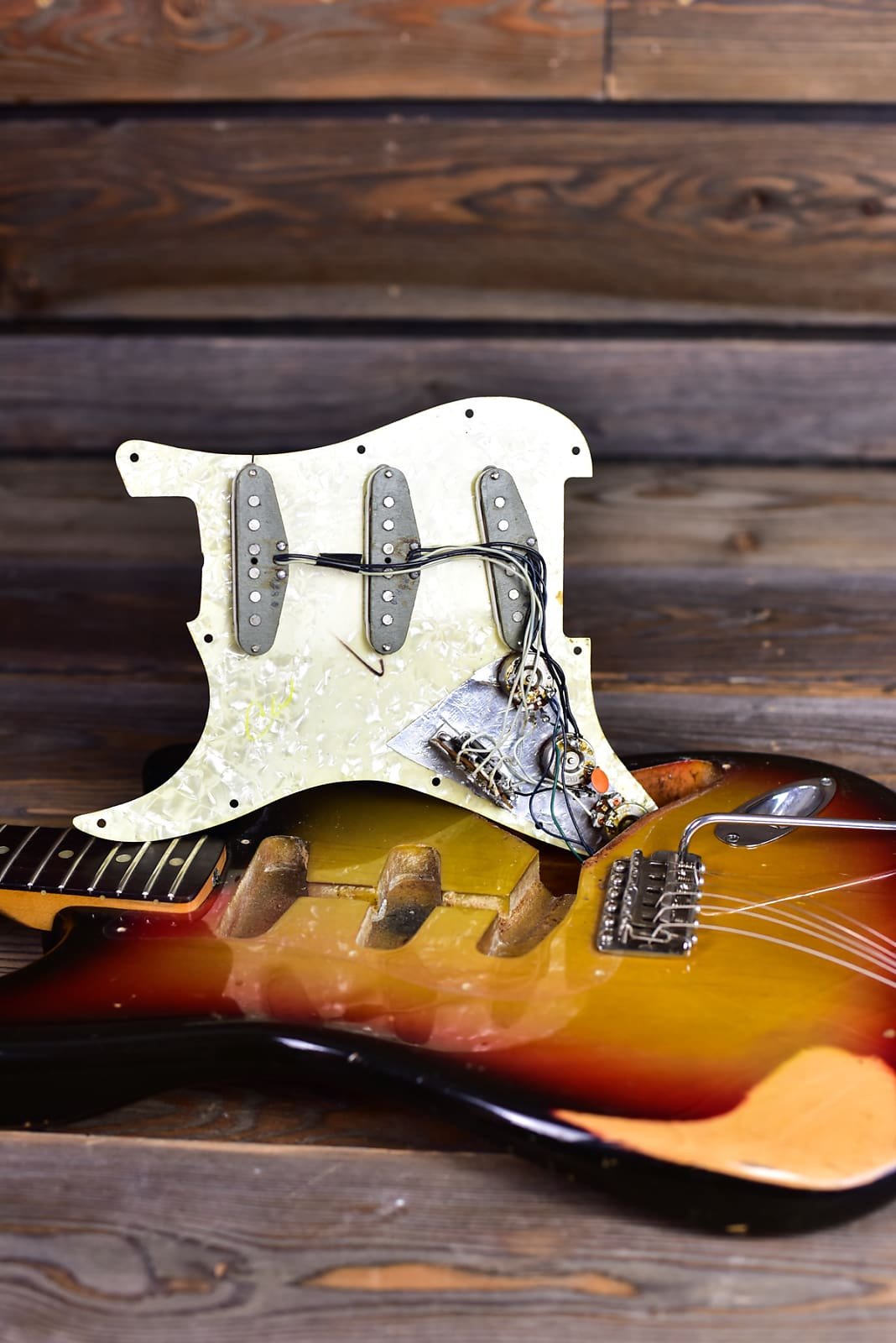 1969 3 Color Sunburst Strat w/ Original Case Demo Video