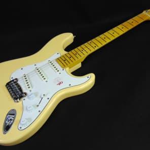 G&L Tribute Series S-500 Vintage White w/ Maple Fretboard