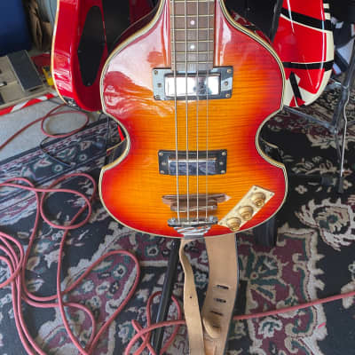 Epiphone Viola Bass 1995 - 1999 Sunburst
