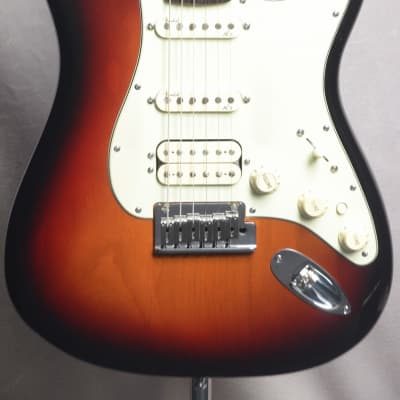 Fender USA American Deluxe Stratocaster N3 with S-1 Switch HSS 3Tone Suhnburst