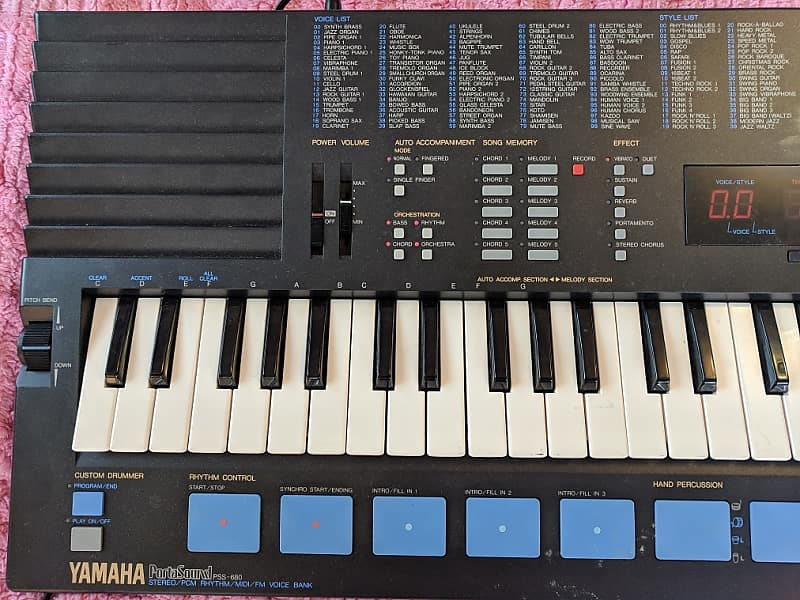 Vintage Yamaha PSS 680 2 Operator FM with synth parameters and programming