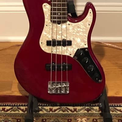 (1998-1999) Fender American Deluxe Jazz Bass, Crimson Red for sale