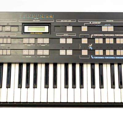 Casio CZ-3000 61-Key Keyboard / Synthesizer with Gigbag - Vintage