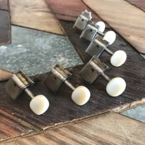 Real Life Relics/Kluson SD9105MNP Tuning Machines Aged Nickel Single Line Plastic Buttons