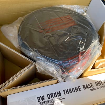 DW DWCP9100M 9000 Series Tripod Round Drum Throne w/ Memory Lock