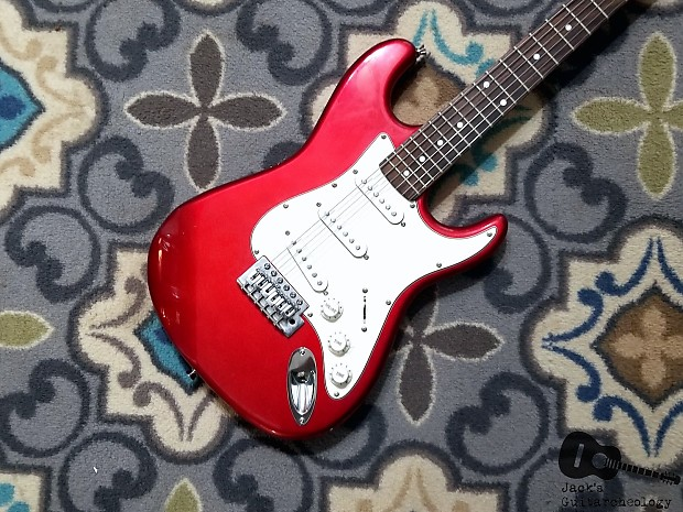 SX Vintage Series Stratocaster Copy (2000s, Candy Apple)