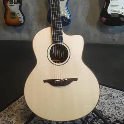 Lowden Lowden F35c, KO/AD, LR Baggs Anthem, NEW! 2017 for sale