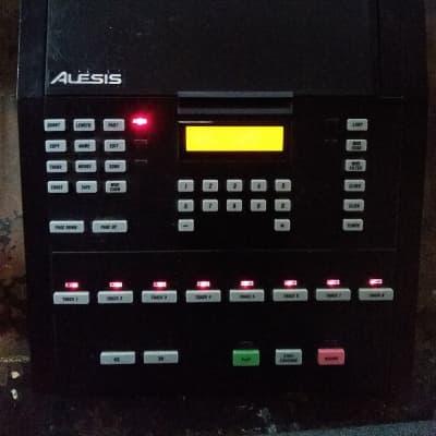 Alesis MMT-8 midi sequencer black v1.11