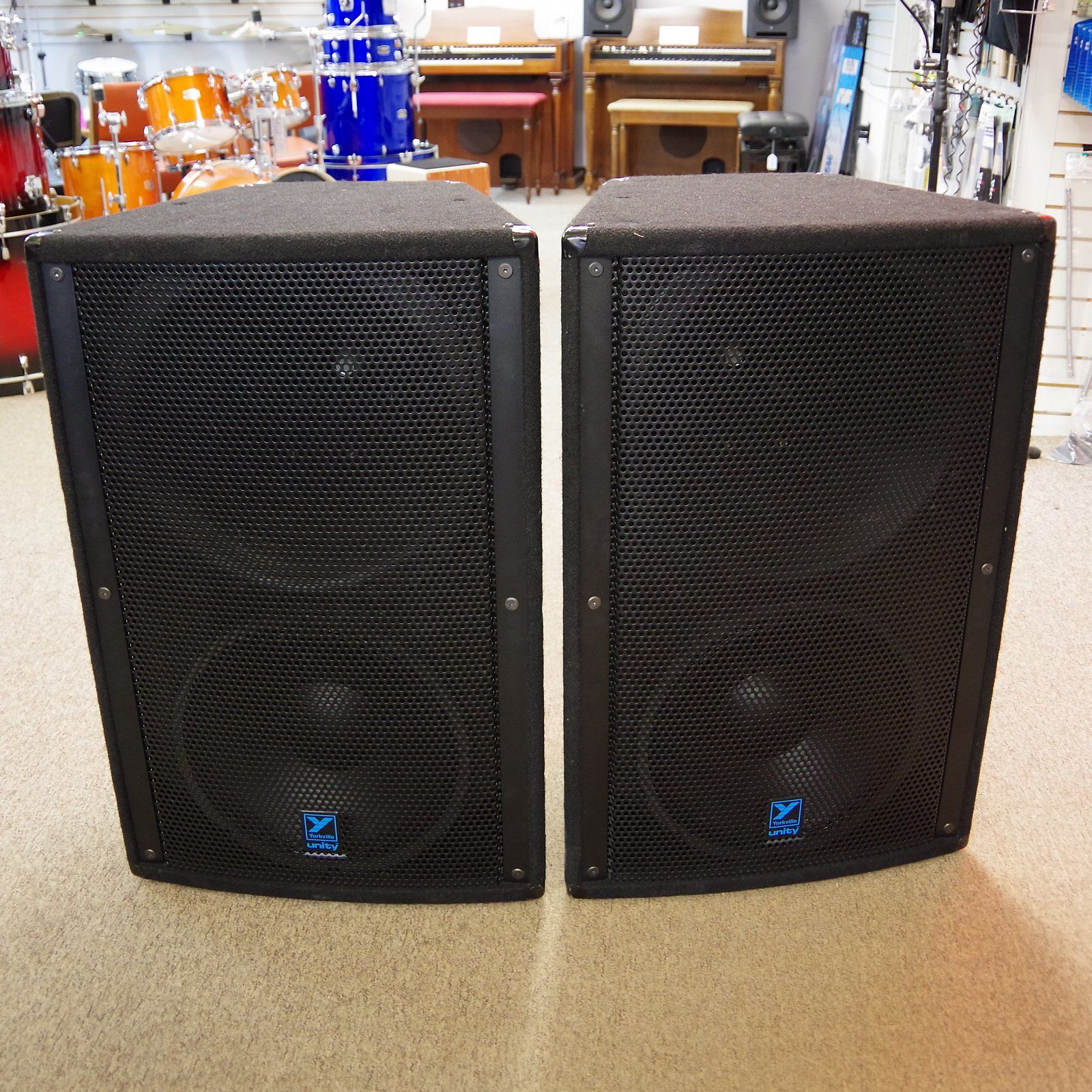 yorkville unity u15p 15 3 way 900w powered pa speakers with covers. Black Bedroom Furniture Sets. Home Design Ideas