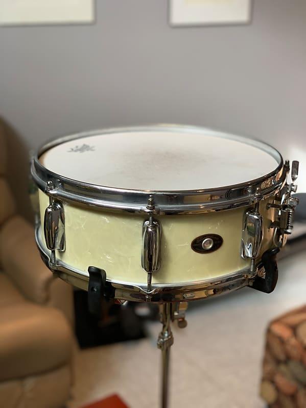 slingerland radio king snare drum white pearl reverb. Black Bedroom Furniture Sets. Home Design Ideas