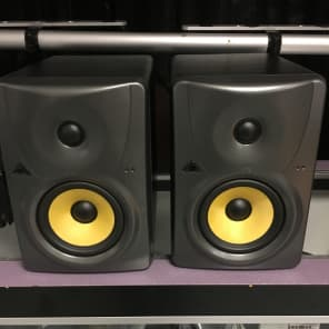 """Behringer Truth B1030A 5.25"""" Powered Studio Monitors (Pair)"""