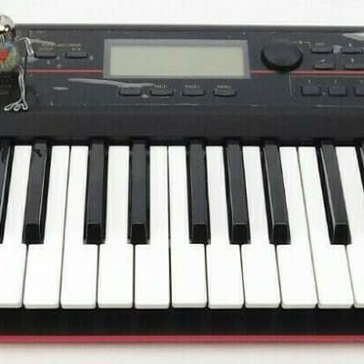 Korg Kross 61-key Portable Synthesizer Workstation +Wie Neu OVP + 1.5J Garantie