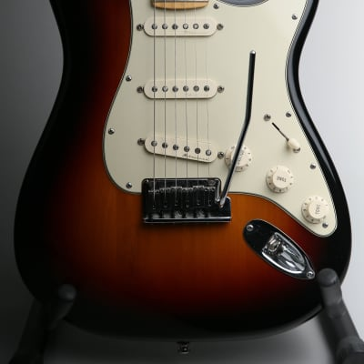 Fender American Deluxe Stratocaster 3 Tone Sunburst & Fender Hard Case for sale