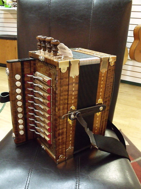 martin cajun accordion natural