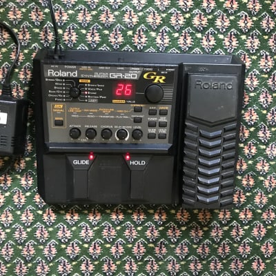 Roland GR-20 Guitar Synthesizer