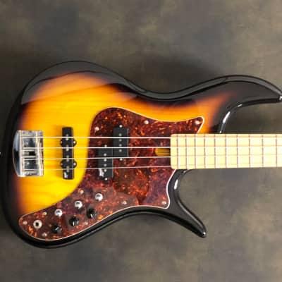 F Bass VF4-PJ Tobacco Burst