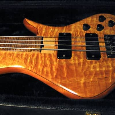 Benavente SCD  4 String Fretless  Bass for sale