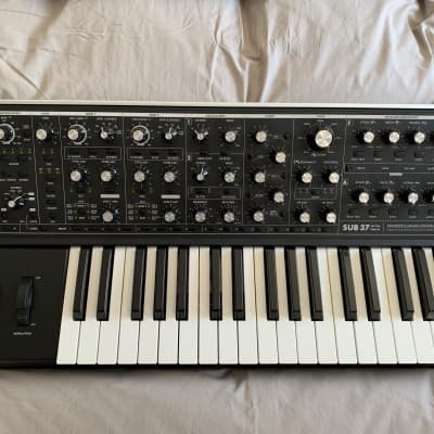 Moog Sub 37 Tribute Edition 2016 with Soft Bag