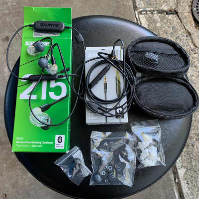 Shure SE215-CL-BT1 Wireless Sound Isolating Bluetooth Earphones Extras Wired Cable RMCE-UNI