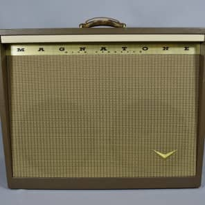"Magnatone Model 260A Custom 200 Series 2-Channel 35-Watt 2x12"" Guitar Combo with Mellow / Bright Switches"