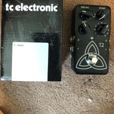 TC Electronic TC Electronic T2 Reverb Pedal original documentation, USB cable, etc.