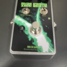 Nine of Swords Twin Earth - majorly freaky Distortion / Fuzz effect pedal FREE ship lower 48