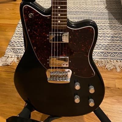 Fender Deluxe Series Toronado 1999-2000 Black with gig bag for sale
