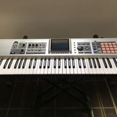 Roland Fantom-X7 76-Key Keyboard Workstation