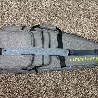 Strandberg Deluxe Gigbag and Strap