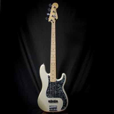 Used 2011 Fender Deluxe Series Precision Bass Special w/ Case - Blizzard Pearl 011820 for sale