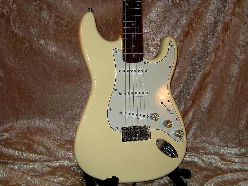8aa46bfefab Rare Xaviere XV-870 Near Mint Vintage Cream Electric Guitar | Reverb
