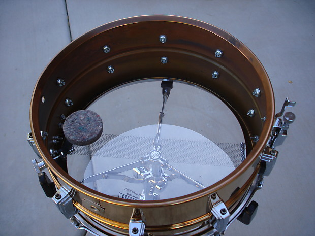 how to clean a snare drum