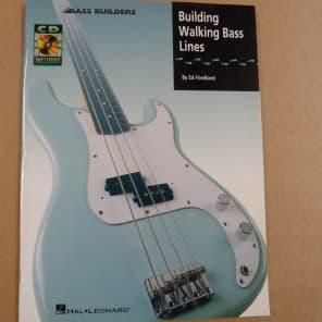 Hal Leonard Building Walking Basslines Book/CD - Ed Friedland Bass Builders