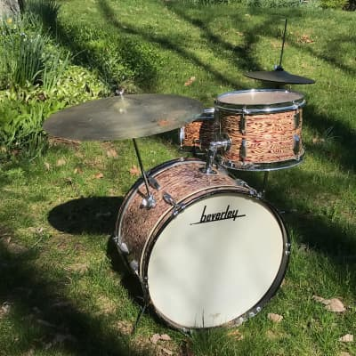 Beverley Mid-60s Drum Kit in Oyster Wine - Made in England