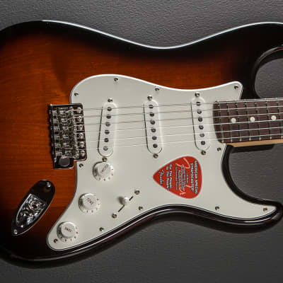 Fender American Special Stratocaster - Two Color Sunburst w/Rosewood
