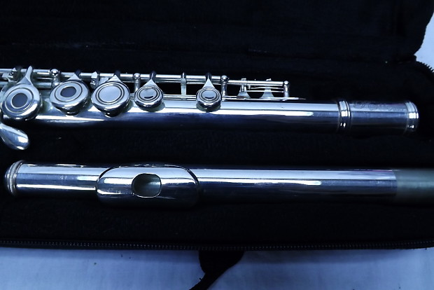 Rossetti Silver Plated 17 Open Hole Flute