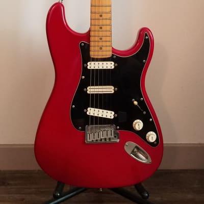 Fender  Stratocaster Plus Deluxe 1995  Lipstick Red