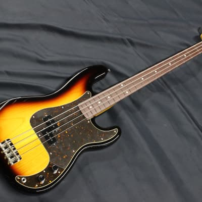 Navigator / N-PB-LTD 3 Tone Sunburst  [71680] for sale