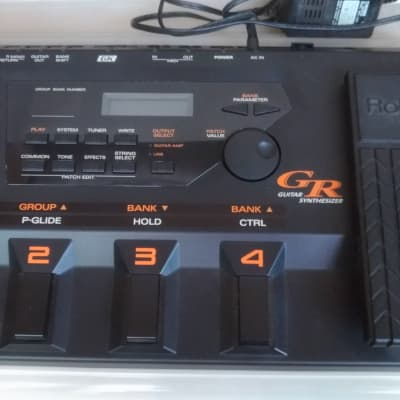 Roland GR-33 Guitar Synthesizer