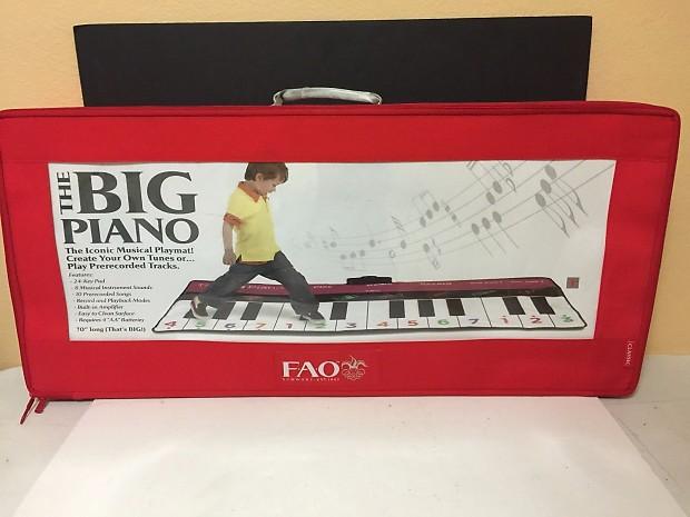 Fao schwarz the big piano dance mat with case 70 long for Piano dance music 90 s