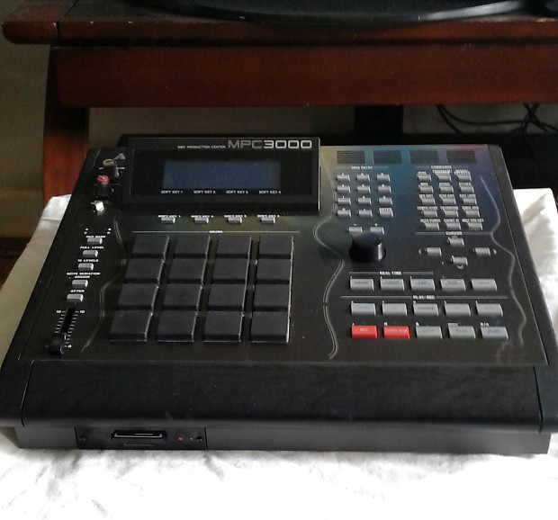 Akai MPC 3000 LE Black For sale is an Akai MPC3000 Limited Edition No 1116   If you have been waitin