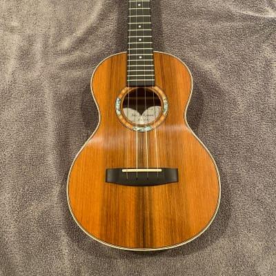 John Kinnard Tenor Ukulele Redwood top/Big Leaf Maple back and sides